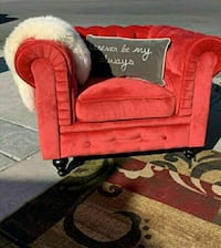 BEAUTIFUL tufted red chesterfield chair In exellen Las Vegas, 89121