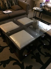 Coffee table excellent condition  Ottawa, K1V