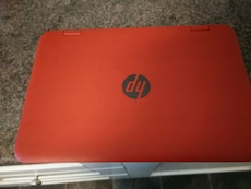 rød HP laptop