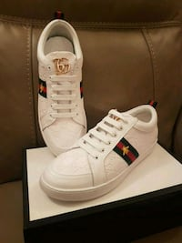 Gucci ace bumblebee sneakers size 9 Toronto, M5V 1J3