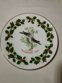Two Turtle Doves 1977 Christmas Plate