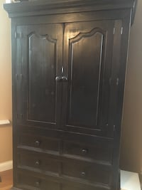 Black Country Cottage Hutch Cincinnati, 45211