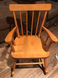 Wooden high chair and rocking chair Ottawa, K4A
