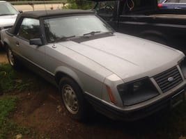 83 Ford mustang convertible