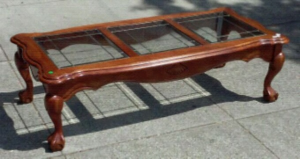 18445 Claw Footed 55 Coffee Table