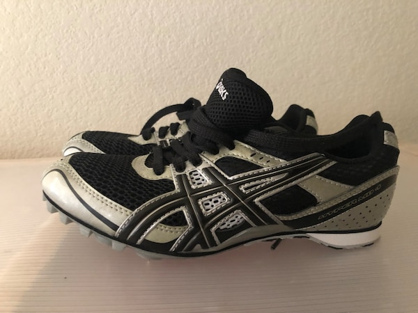 dd9389504ba Used ASICS TRACK SPIKES for sale in San Mateo - letgo