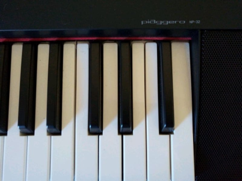 72-Key Yamaha Piaggero NP-32 with All Accessories 5e75943d-d7fe-46a3-bf27-134d45887ed9