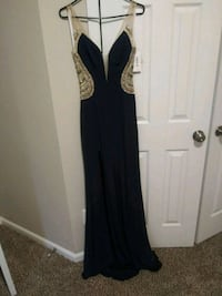 Navy blue glamour gown by Terani Couture 639 mi
