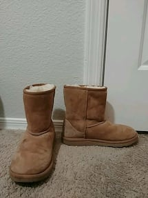 Classic Uggs size 4 kids