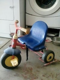 toddler's blue and red trike Bakersfield, 93306