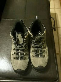 Hicking boots size 8 willing to take $50... Fresno, 77545