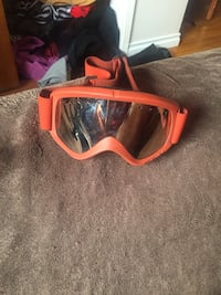 red snow goggles Vancouver, V5P 3A4