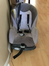 baby's gray and black Graco car seat carrier