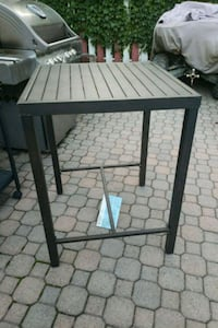 Table outdoor brand new Oakville, L6H 2K3