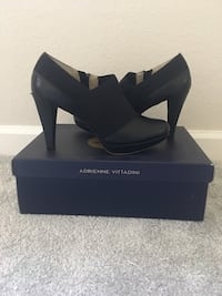 Woman's Black leather business causal shoe Pleasant Hill, 94523
