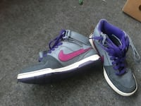 Nikes!!! 5y size New London, 06320