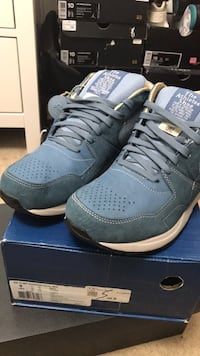 Negotiable size 9 Reebok running dual mid UK special release very minimal wear Whitby, L1N