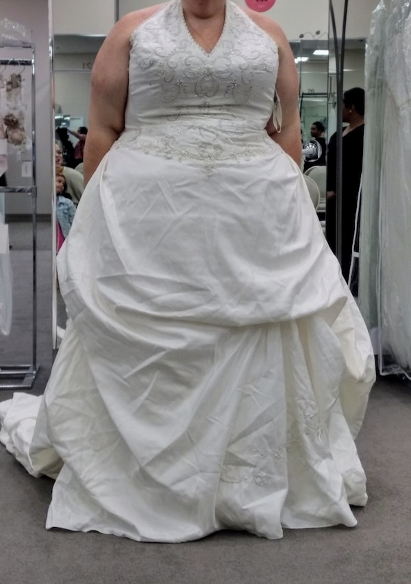 Used Plus Size Wedding Dress for sale in Cherry Hill - letgo
