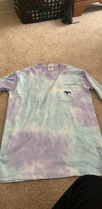 white and purple crew neck shirt Hagerstown, 21740