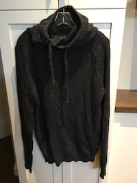 Woman's sweater size L London, N6M 0E5
