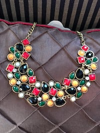 gold-colored and blue beaded necklace Bolingbrook, 60490