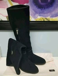 UGG Suede Daley Tall Boots (sz 9) - never worn Ajax