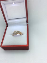 Rose gold fashion ring with champagne and white diamonds (1carat ) .