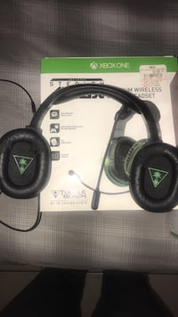 black and gray Turtle Beach headset Ocala, 34472