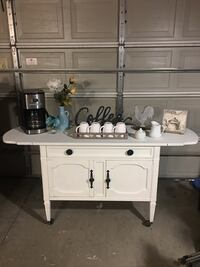 White wooden 3-drawer chest Rancho Cucamonga, 91739