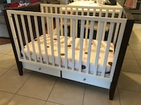 Baby crib with mattress, bumper and sheets included Tampa
