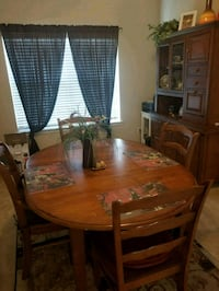 brown wooden dining table set Richmond, 77469