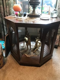 Two level accent table  Arlington, 76013