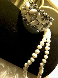 NEW Fresh Water Pearl Necklace or Bangle 15$ea. sale