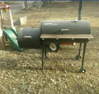 Black and green gas grill Wasilla, 99623