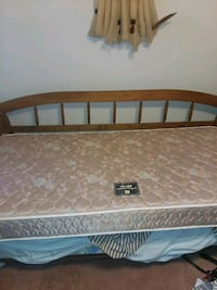Daybed plus trundle