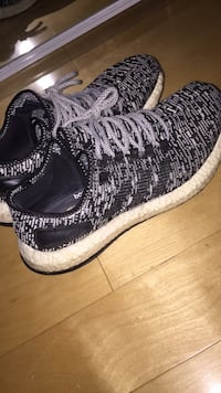 Pure boosts Oreo/black and white Burnaby, V5H 1P7