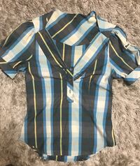 Beautiful bench shirt, size small. Vaughan, L4J 9J1