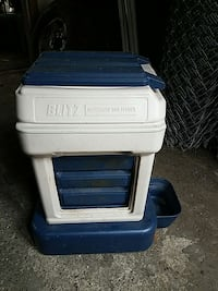 Blitz automatic dog food waterer and feeder