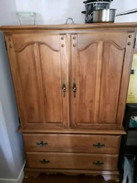 MOVING PRICED LOW CAN MAPLE DRESSER / SHELVING   White Rock