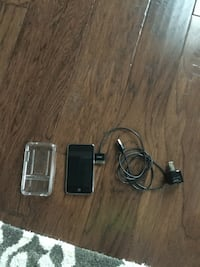 Black ipod touch with kit 32 km