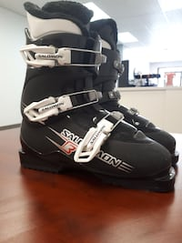 Downhill ski boots child's size 8 Hanover, N4N 1P3