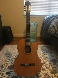 Lucero LFN200SCE Acoustic-Electric Classical Guitar