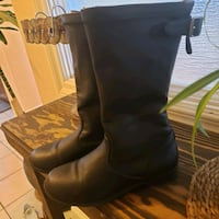 Size 12 girls boots from Kenith Cole Reaction  Calgary, T3K 6E4