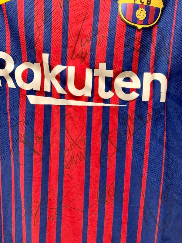 FC Barcelona signed jersey c1389850-3617-47cb-a141-45ae227bdaef