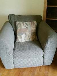 3 piece chair, sofa,love seat sage green - pillows Miami, 33247