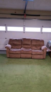 Reclining Couch with middle console cup holders