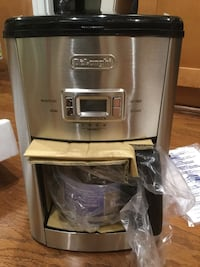 DeLonghi 14-Cup Coffee Maker - Stainless, Like New San Jose, 95124