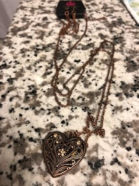 Heart pendant necklace  Falls Church, 22046