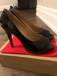 Pair of black leather heeled shoes with box Toronto, M6B 3W4