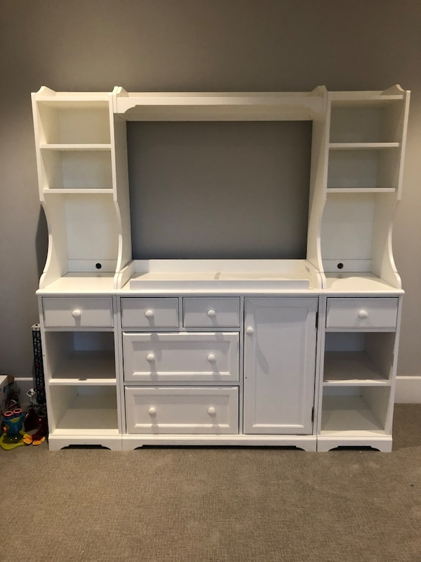 Pottery Barn Changing Table With Hutch